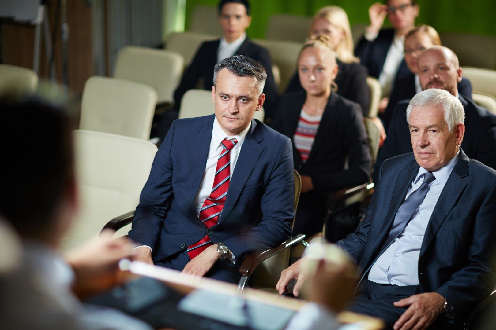 audience-listening-at-conference